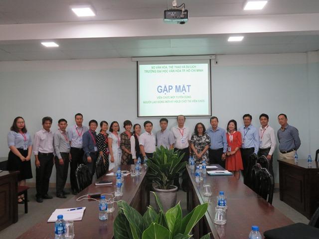 Trường Đại học Văn hóa TP. Hồ Chí Minh tổ chức buổi gặp mặt các viên chức mới được tuyển dụng và người lao động ký hợp đồng chờ thi viên chức.