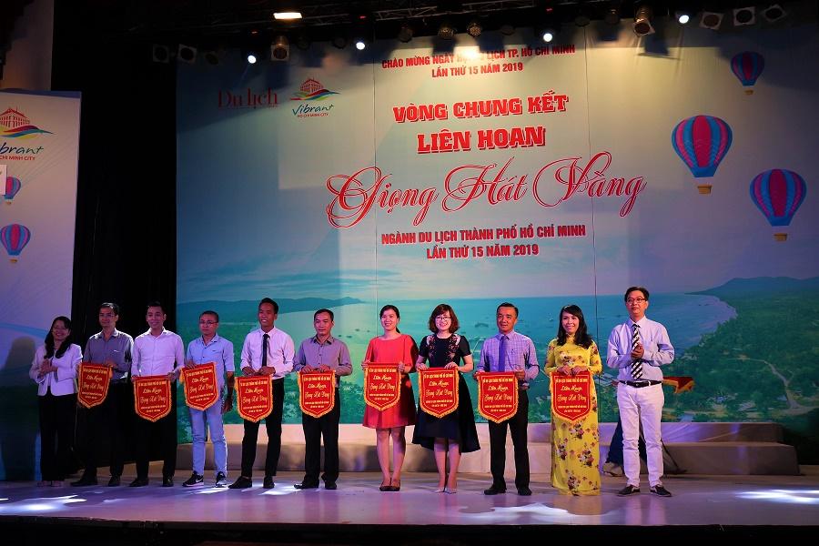 Khoa Du lịch tham gia Vòng chung kết Liên hoan Giọng hát vàng Ngành du lịch năm 2019
