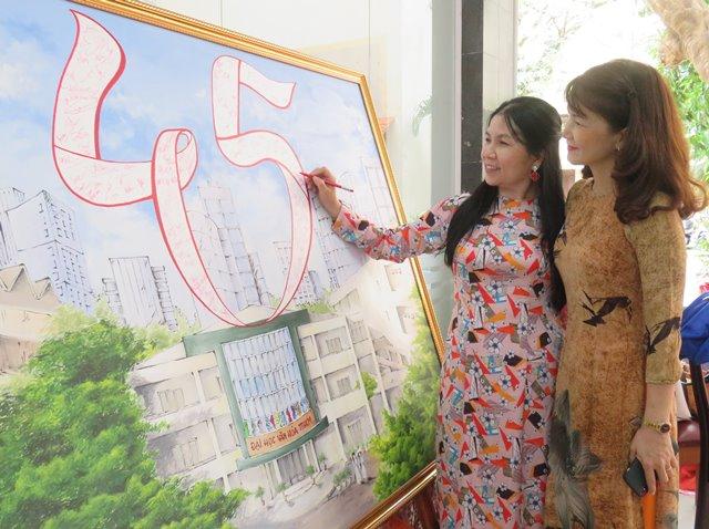 Trường Đại học Văn hóa TP. Hồ Chí Minh - Dấu  ấn 45 năm.