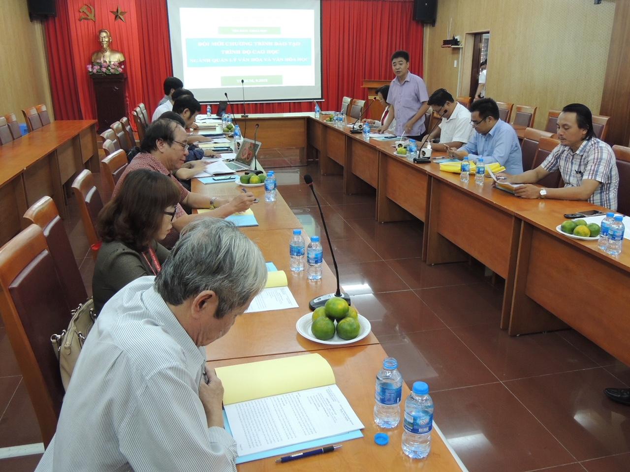 Tọa đàm lấy ý kiến về chương trình khung đào tạo trình độ thạc sĩ chuyên ngành Quản lý văn hóa và Văn hóa học