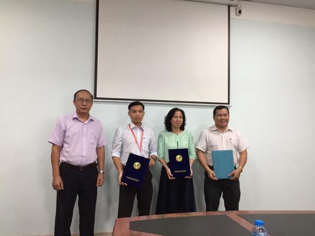 Trường Đại học Văn hóa Tp. Hồ Chí Minh công bố quyết định bổ nhiệm và bổ nhiệm lại cán bộ quản lý cấp phòng, khoa cho các đơn vị Nhà trường