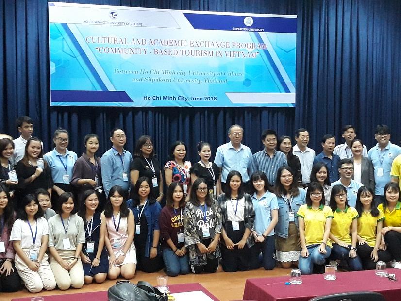 Giao lưu giữa giảng viên và sinh viên Trường Đại học Silpakorn (Thái Lan) và Trường Đại học Văn hóa TPHCM