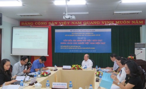 """Nghiệm thu đề tài nghiên cứu khoa học cấp Bộ """"Văn hóa gia đình với việc giáo dục nhân cách con người Việt Nam"""""""