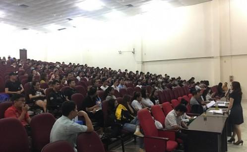 Khoa Quản lý văn hóa, nghệ thuật tổ chức họp mặt sinh viên thực tập giữa khóa và cuối khóa năm học 2018-2019