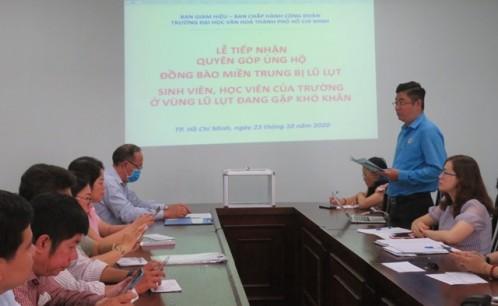 Trường Đại học Văn hóa TP. Hồ Chí Minh tổ chức tiếp nhận quyên góp ủng hộ đồng bào miền Trung.