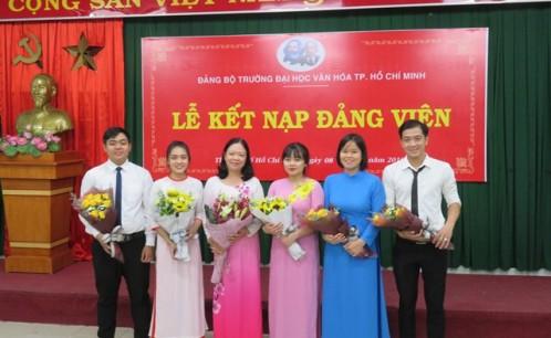 Đảng ủy trường Đại học Văn hóa TP. Hồ Chí Minh tổ chức lễ kết nạp Đảng viên mới