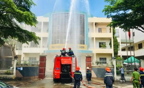 Trường Đại học Văn hóa TP. Hồ Chí Minh tổ chức tập huấn, bồi dưỡng nghiệp vụ PCCC và thực tập phương án chữa cháy, cứu hộ, cứu nạn năm 2019